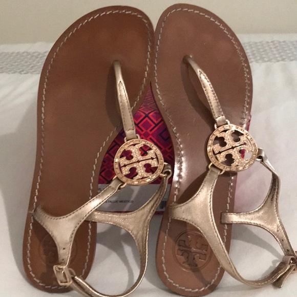 af550d41103 Tory Burch rose gold Violet logo sandal size 5.5. M 5b54ad7a4cdc30949617d197